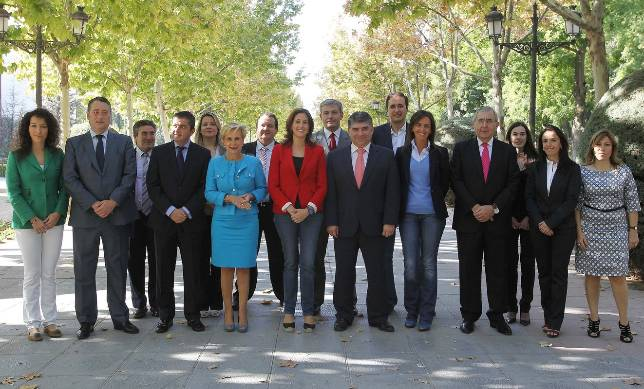 Romero dice que Rajoy quiere alcaldes para «oír las voces más cercanas a los ciudadanos»