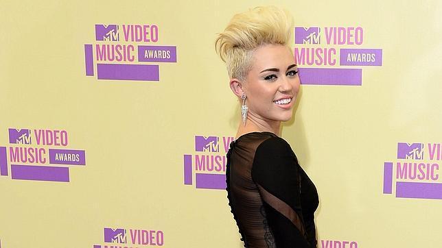 El acosador de Miley Cyrus: «Es mi esposa»