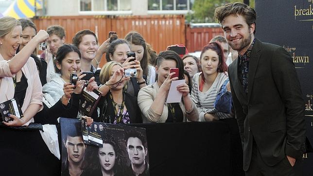 Robert Pattinson y la divertida camisa de la reconciliación