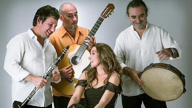 Los integrandes del Pacosecotrío junto a Rocío Márquez