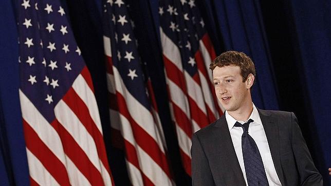 Mark Zuckerberg cobra un salario de un dólar