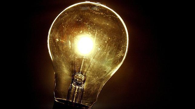 El recibo de la luz subirá un 1,2% en julio tras el cierre de la subasta eléctrica