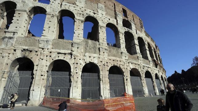 Un joven sirio se quema a lo bonzo en las inmediaciones del Coliseo en Roma