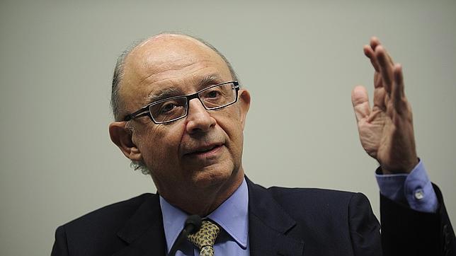 El ministro de Hacienda, Cristóbal Montoro, aseguró que en 2013 el tipo efectivo de los grupos consolidados fue del 8%