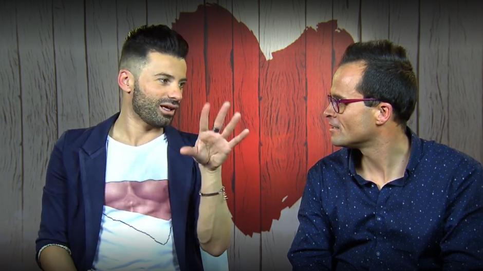 Raúl y Salvatore en un momento de su cita en «First Dates»