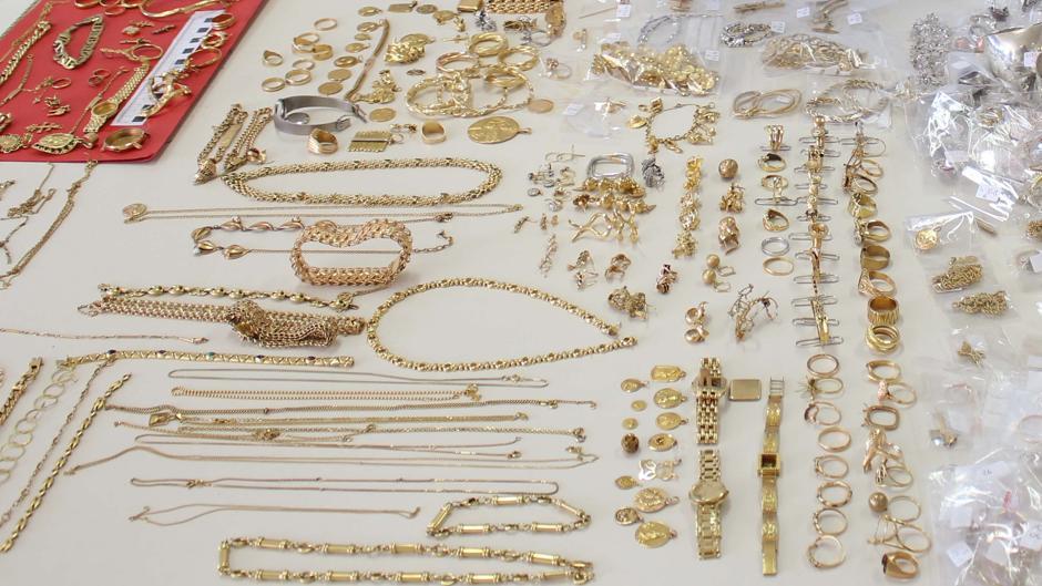 cb7fedda82f3 Dos detenidos por vender más de 4 kilos de oro en joyas robadas en varios  asaltos a viviendas