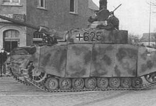 Panzer IV Ausf H con Schürzen