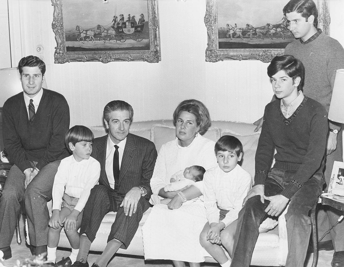 La hija pequeña de Luis Martínez de Irujo y Artázcoz y Cayetana Fitz-James Stuart nació el 26 de noviembre de 1968