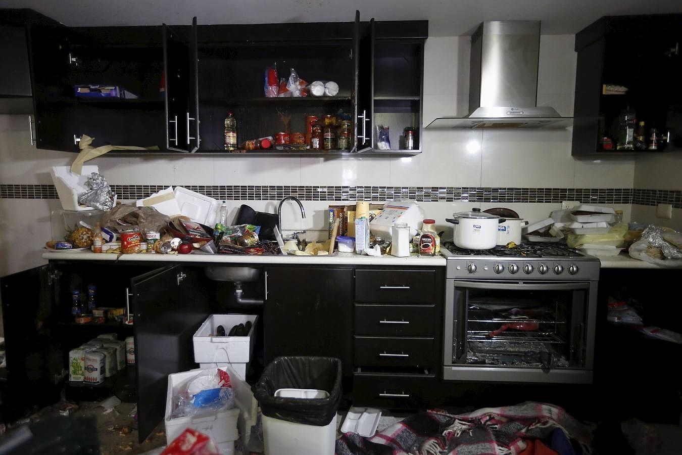 La primera estancia estaba, formada por salón-comedor y cocina