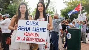 Cientos de cubanos marchan en Miami contra la visita de Obama a la isla