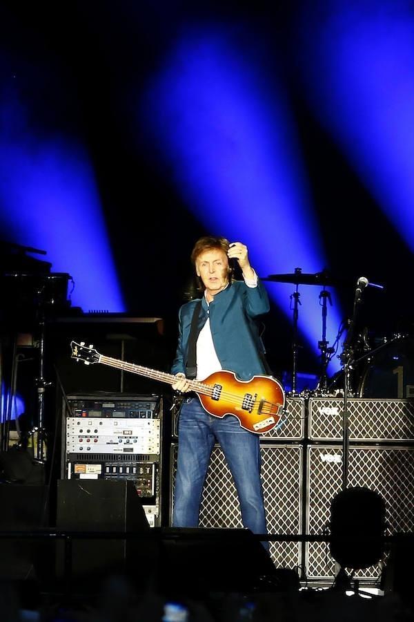 McCartney se dirige a su público