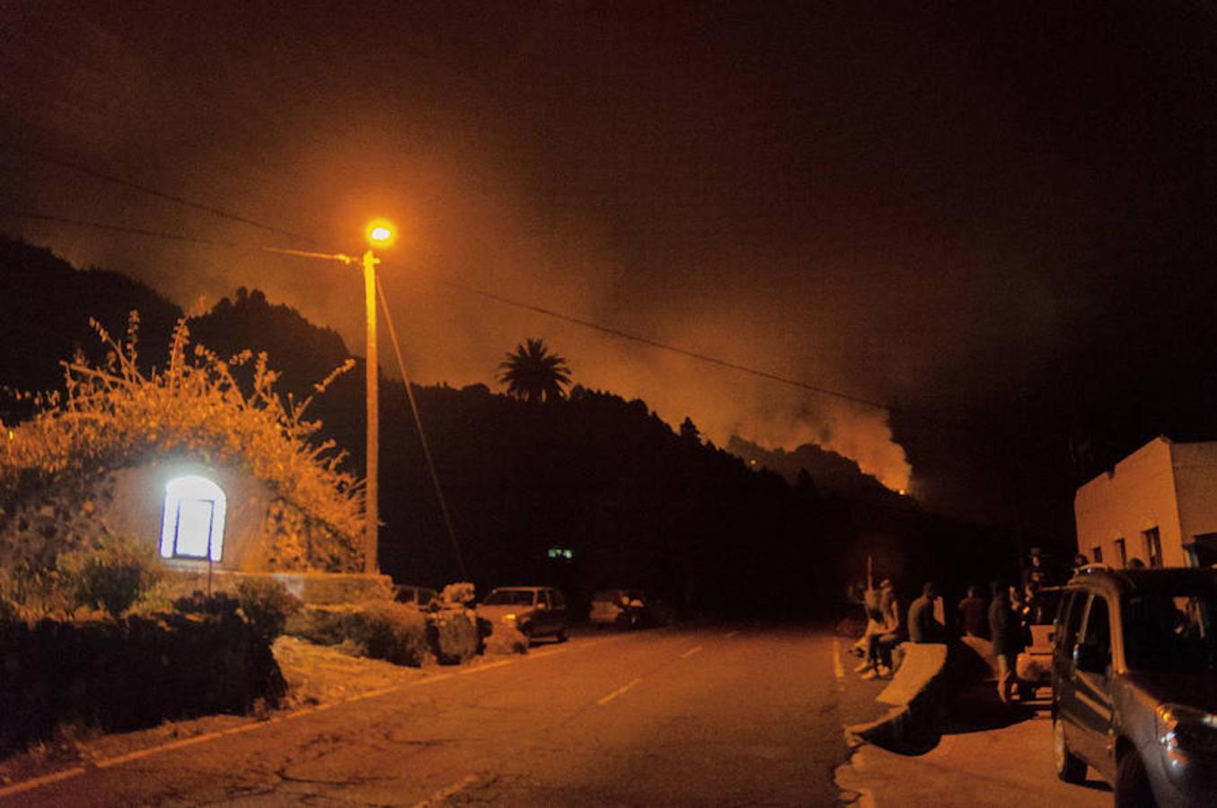 El presidente canario, Fernando Clavijo, ha decidido viajar a La Palma y repaldar las acciones contra las llamas