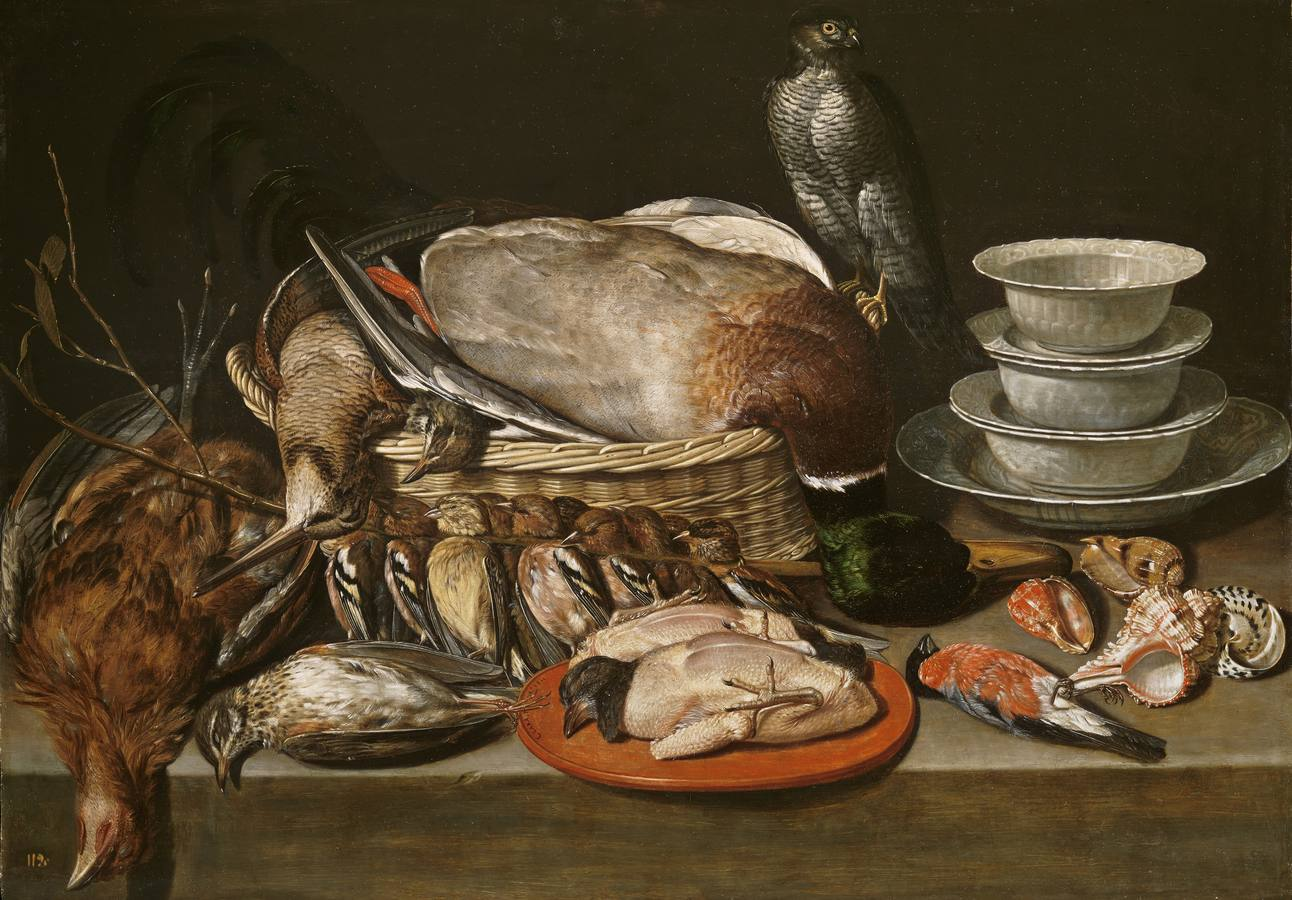 «Bodegón con gavilán, aves, porcelana y conchas» (1611), de Clara Peeters