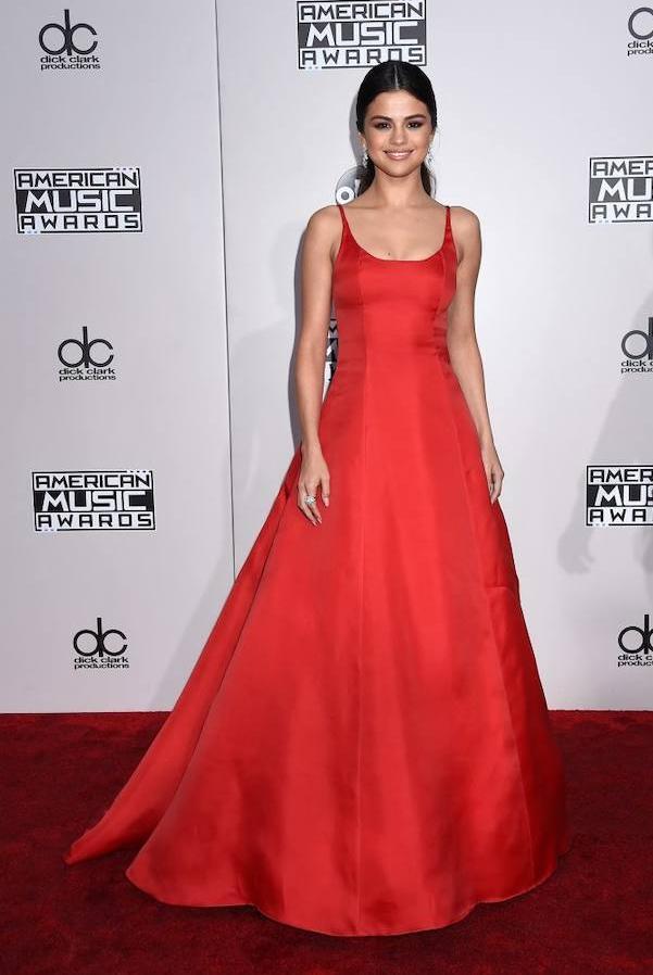 Selena Gomez a su llegada a los AMAs