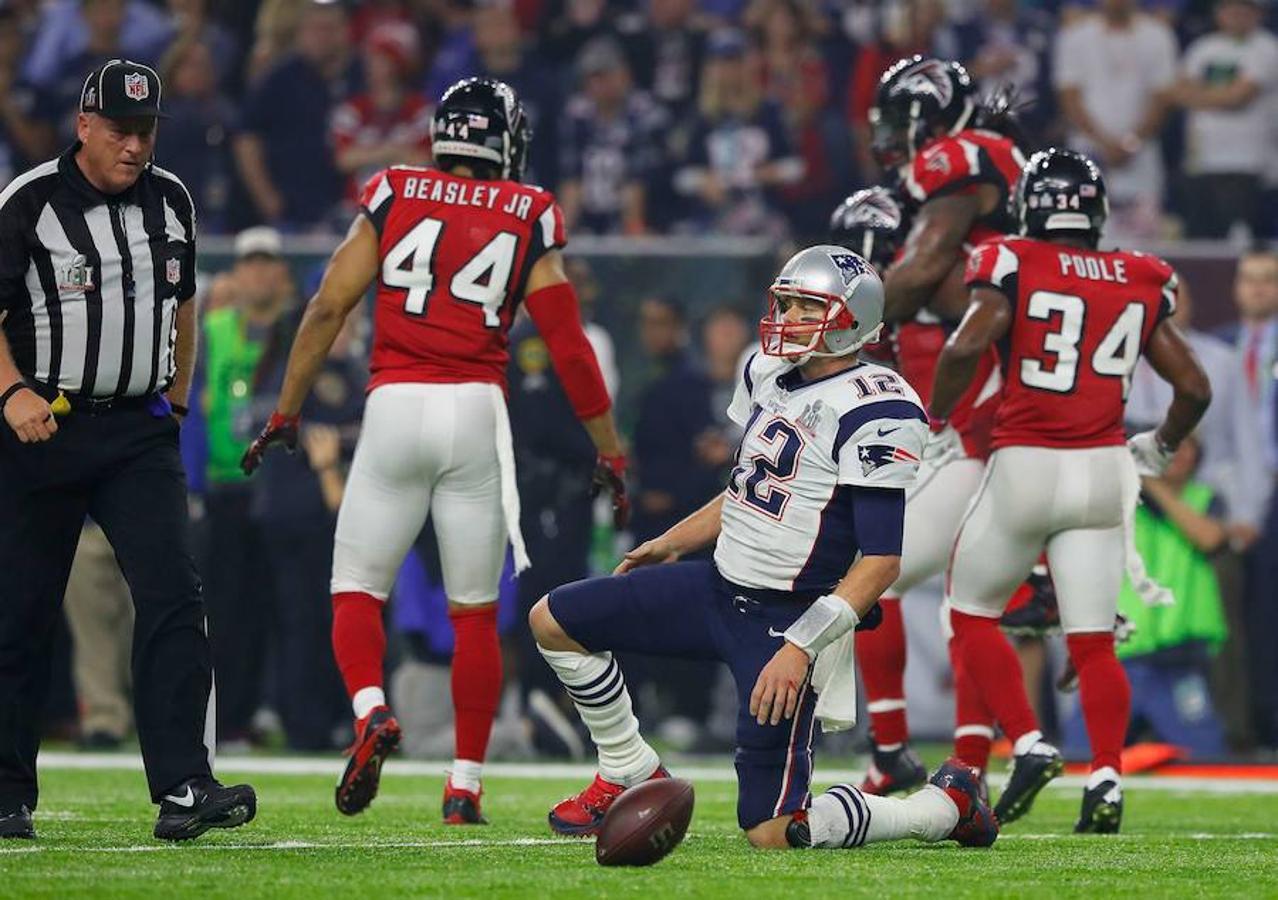 Tom Brady, quarterback de los Patriots, en una acción del cuarto tiempo