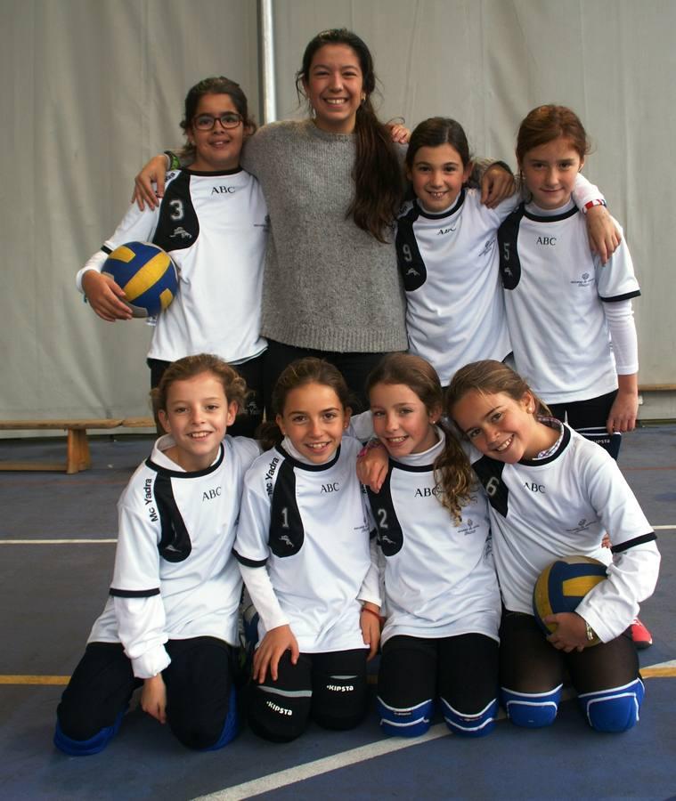 Santa María del Pilar C. Arriba: Inés (3), Patricia (E ), Ana M. (9), María (5). Abajo: Gabriela (4), Raquel (1), Natalia (2) y Carlota.