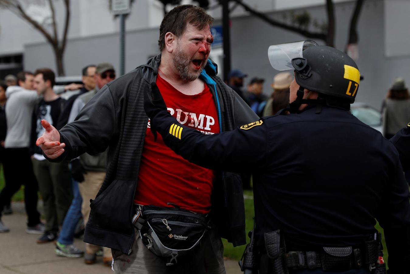 Los incidentes, en los que han participado entre 200 y 300 personas, han tenido lugar en un parque de la localidad californiana de Berkeley