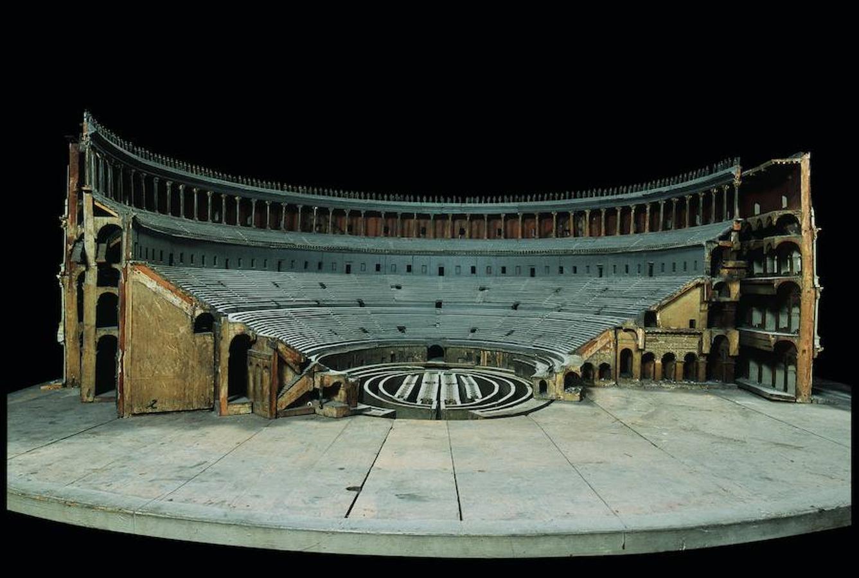 Modelo del anfiteatro Flavio, sección abierta del arco en la entrada sur XLVI, 1790-1812, madera y otros materiales