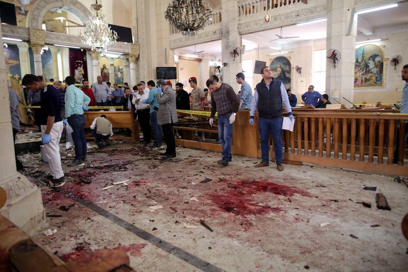 La celebración del Domingo de Ramos se ha tornado en tragedia tras una explosión en una iglesia copta en la localidad egipcia de Tanta, que se ha cobrado al menos 25 muertos