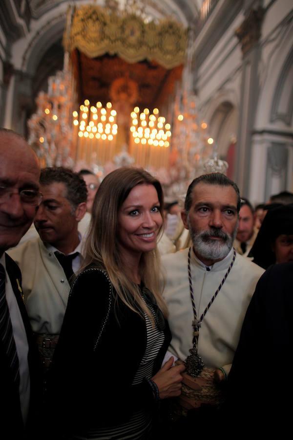 Antonio Banderas, junto a su pareja Nicole Kimpel. El actor participó en el paso de María Santísima de Lágrimas y Favores, de las Cofradías Fusionadas, el pasado Domingo de Ramos.