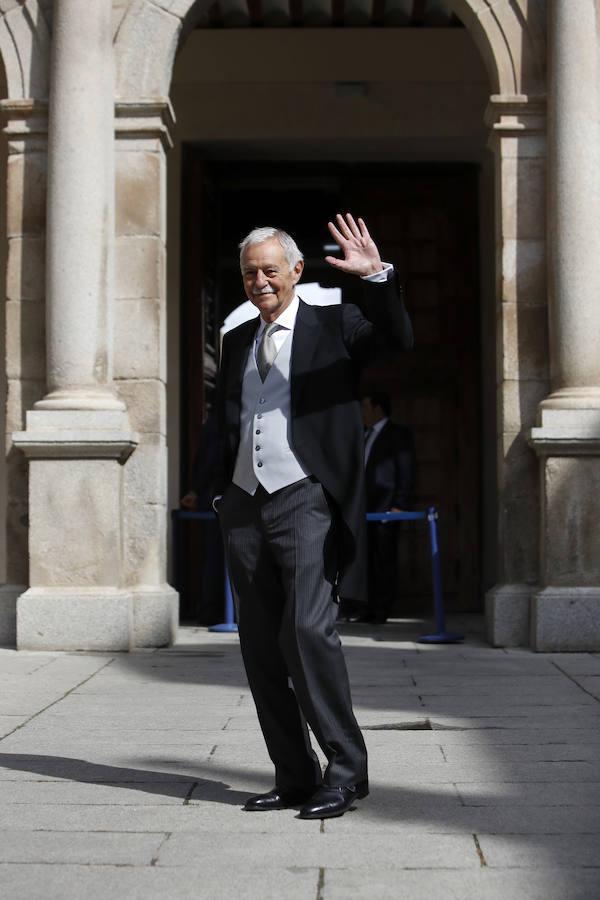 Eduardo Mendoza a su llegada al Paraninfo de la Universidad de Alcalá de Henares