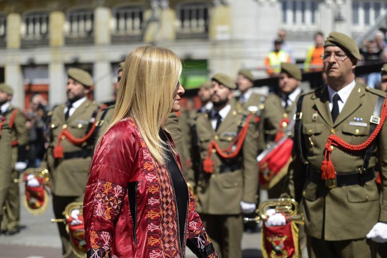 Cristina Cifuentes, presidente de la Comunidad de Madrid, durante la festividad del Dos de Mayo