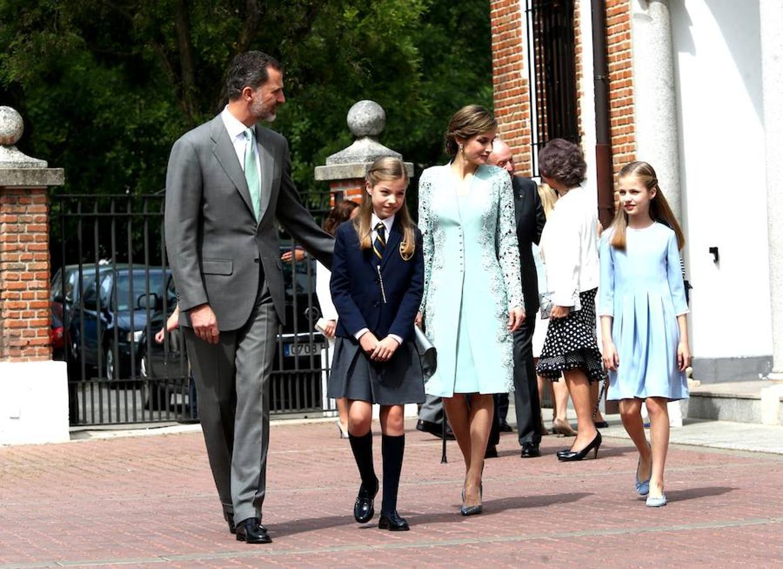 Don Felipe, Doña Letizia, la Princesa Leonor y la Infanta Sofía, a su llegada