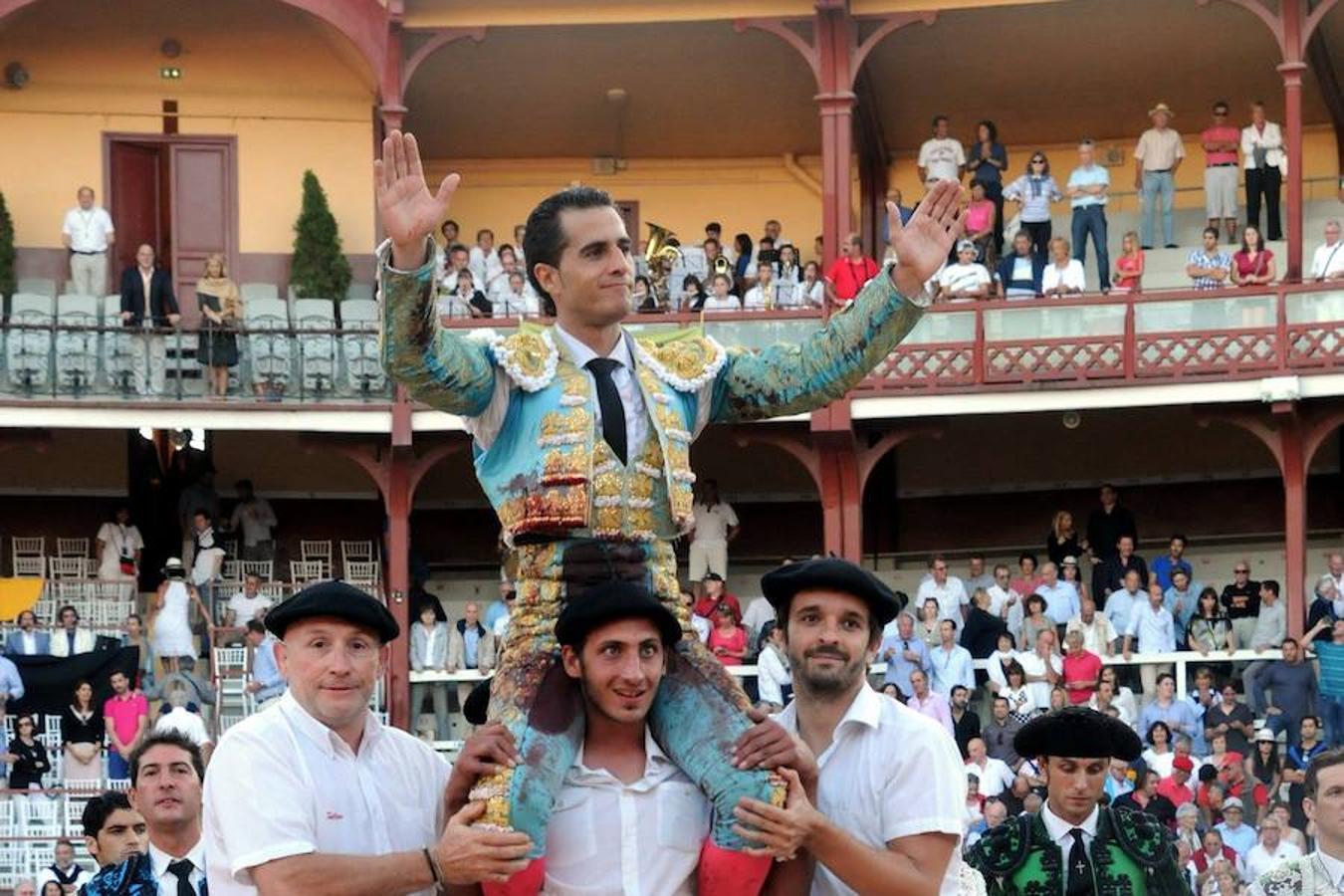 Iván Fandiño, a hombros tras una faena celebrada en 2013