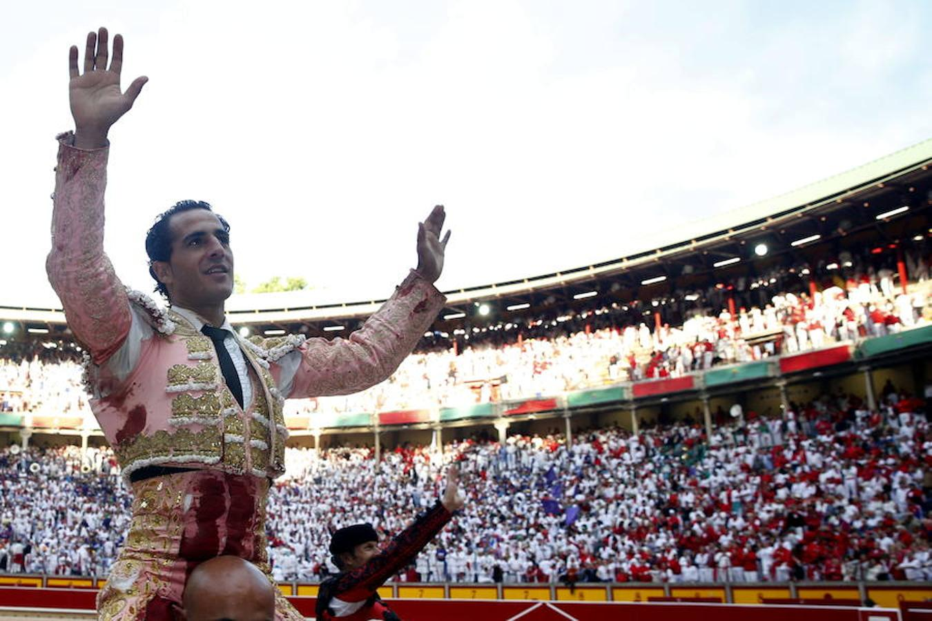 Iván Fandiño salió a hombros en la Feria de San Fermín 2014