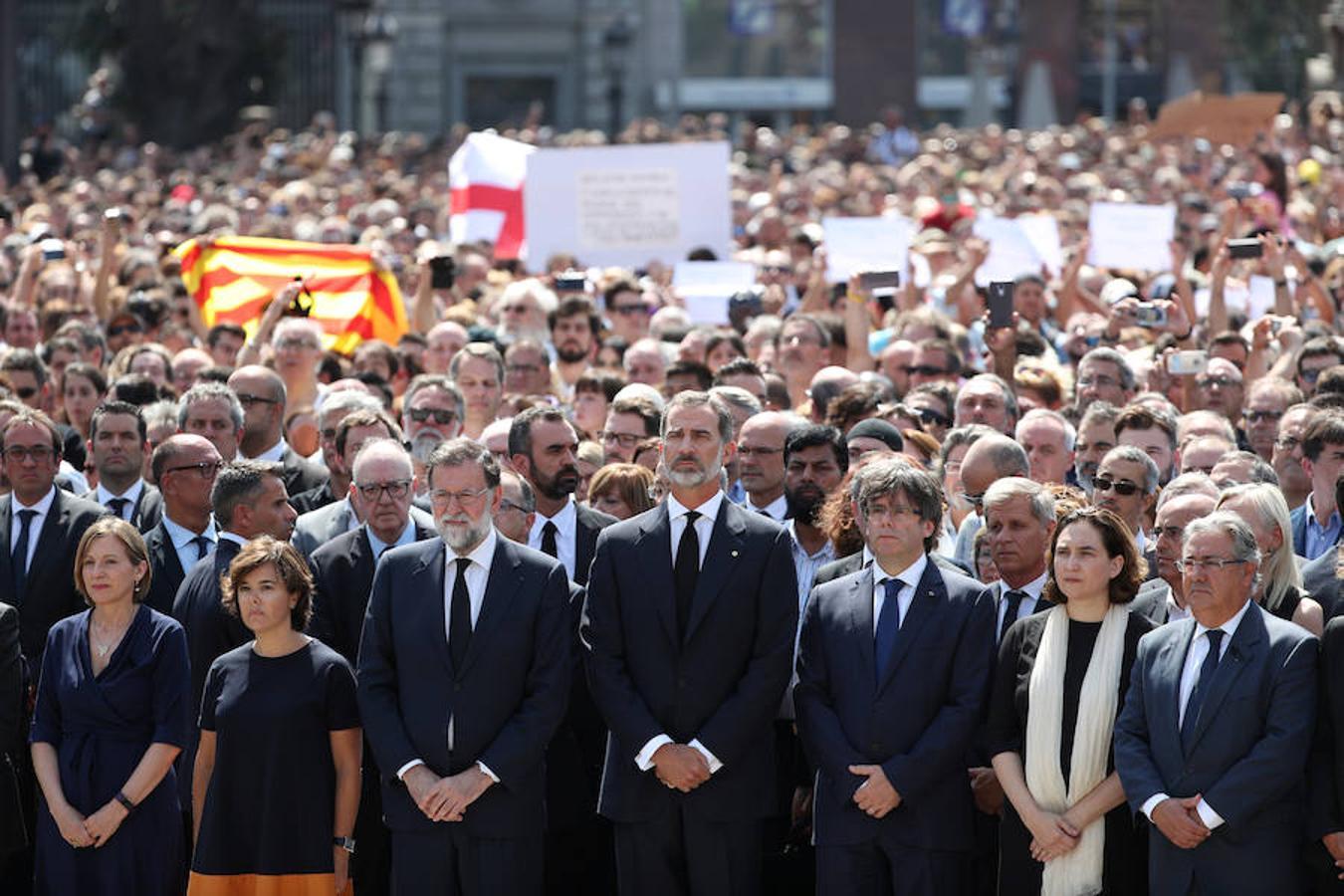 ATENTADO EN BARCELONA - Página 2 Politicos-minuto-silencio-kPtG--1350x900@abc