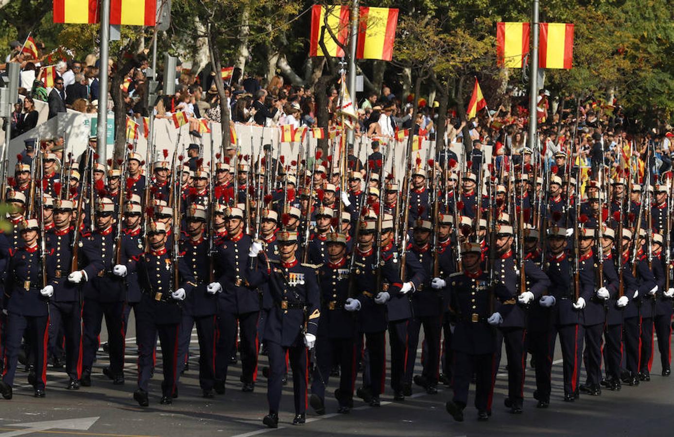 La Guardia Real en el desfile del Día de la Fiesta Nacional (EFE)
