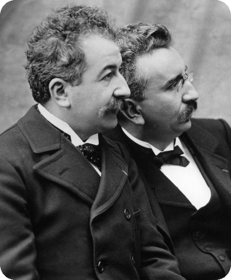 Los hermanos Auguste y Louis Lumière inventores del Cinématographe en 1895