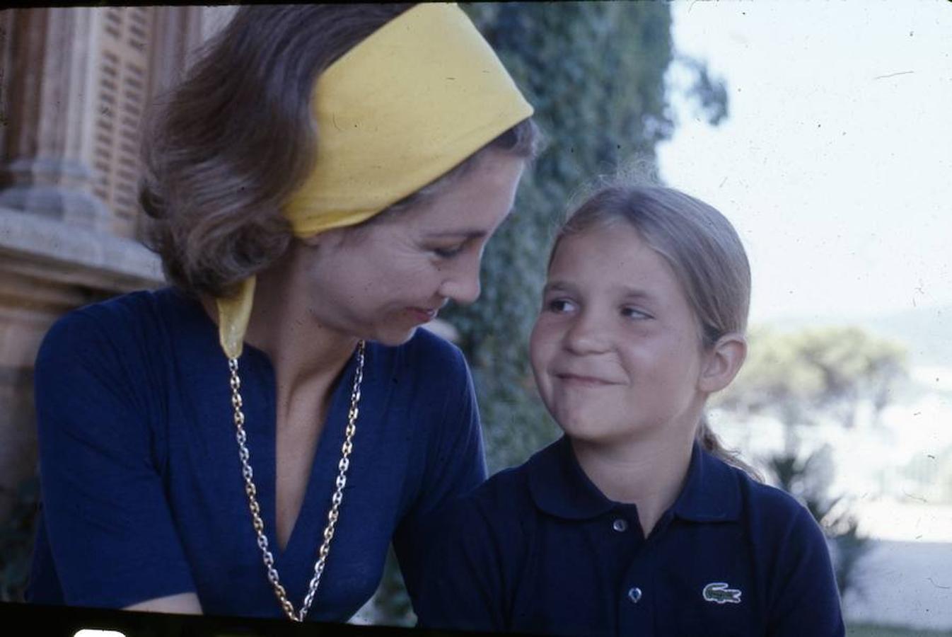 Este miércoles la Infanta Elena celebra su 54 cumpleaños, cifra que llega en un año tranquilo para la hermana del Rey Felipe VI
