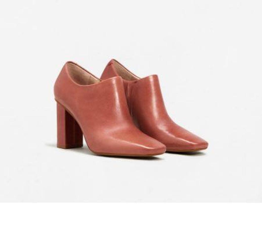 Zapato abotinado piel de Mango por 29.99 euros