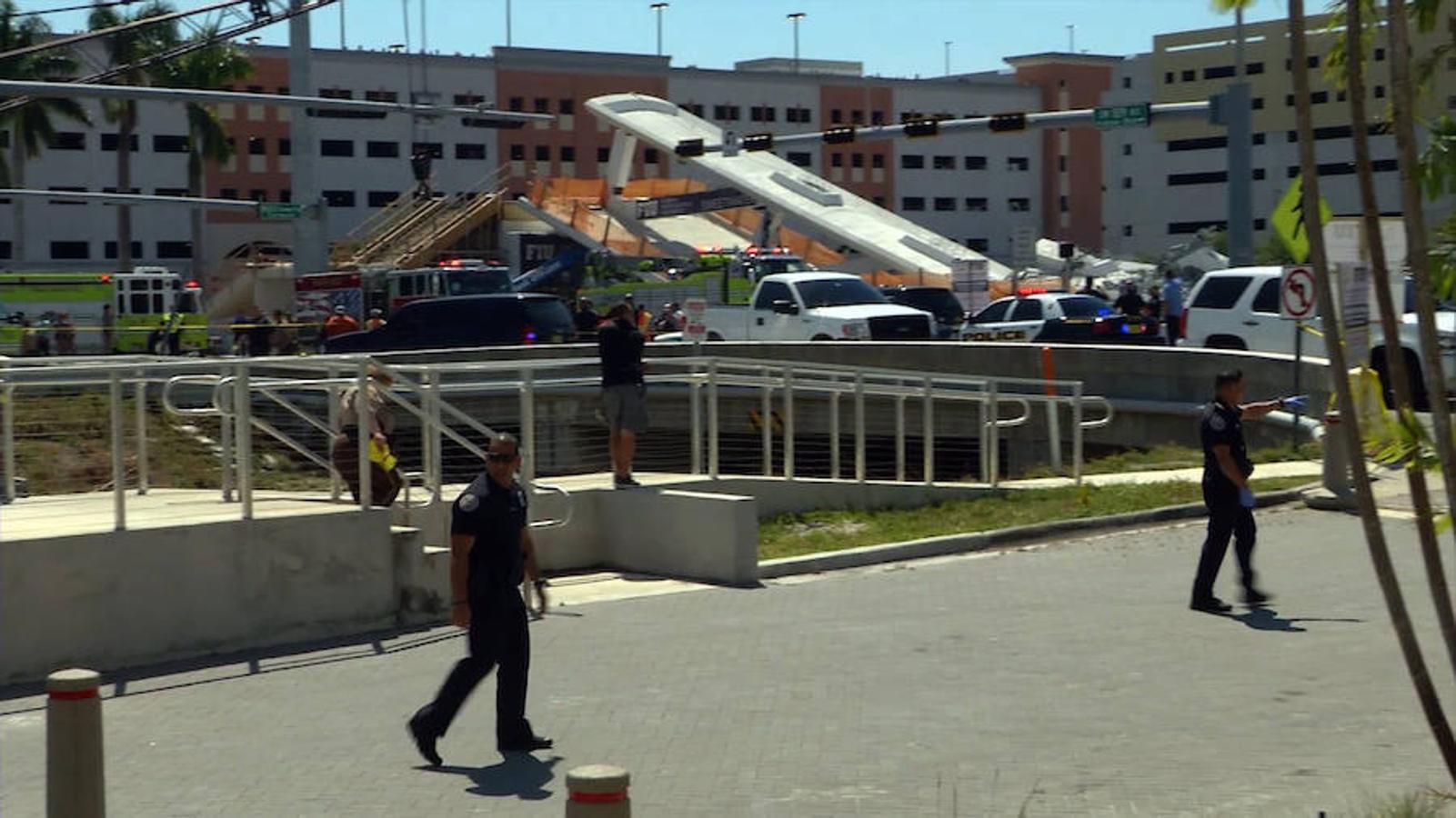Las dramáticas imágenes de la caída de un puente peatonal en Florida