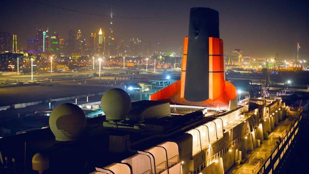 Así es el Queen Elizabeth 2, el barco de lujo convertido en hotel flotante