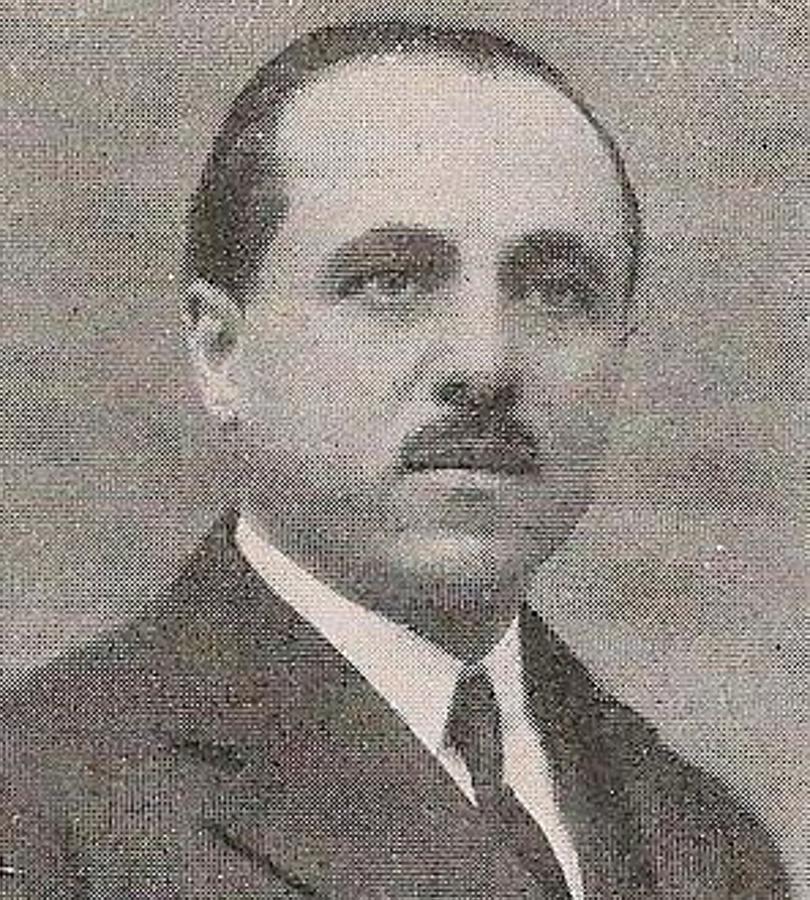 Emilio José Lillo Rodelgo (1887-1981). Inspector-Jefe de Primera Enseñanza en Toledo. Revista Blanco y Negro. Foto Rodríguez
