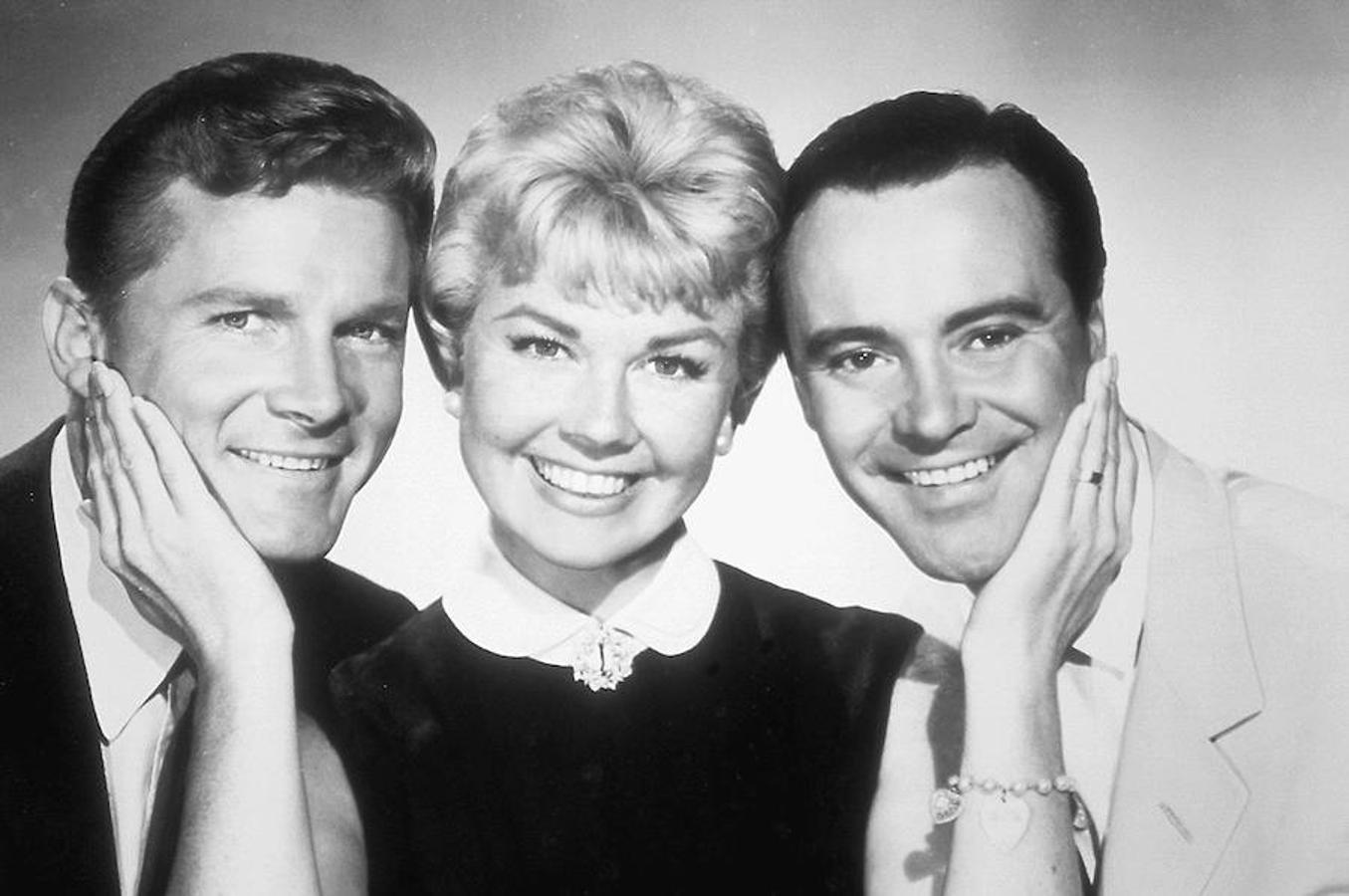 Doris Day junto a Jack Lemmon y Ernie Kovacs, los tres protagonistas de «La indómita y el millonario»