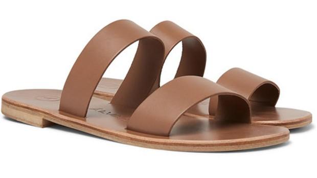 Diez sandalias de marca para hombres que quieran presumir de pies este verano