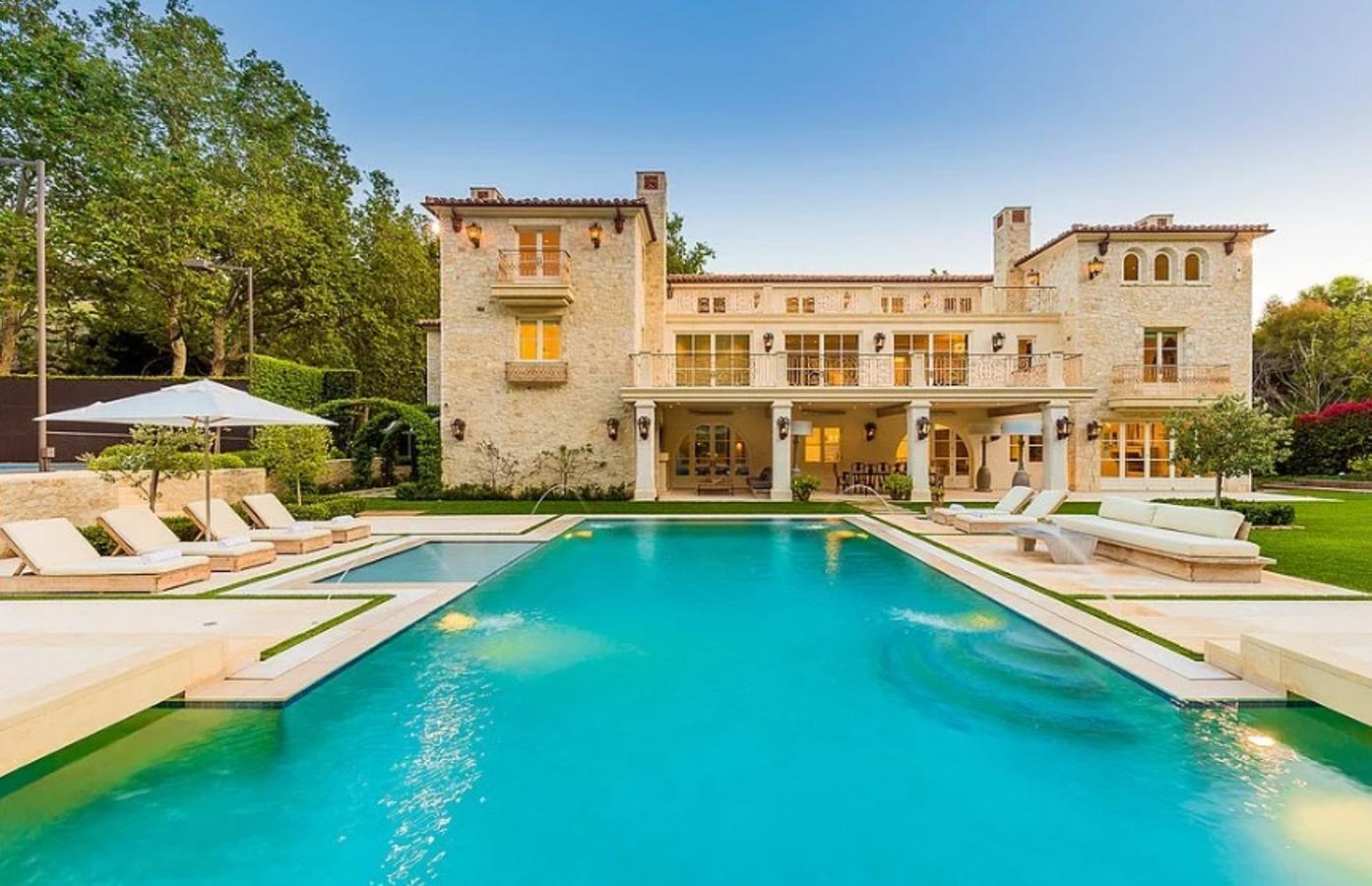Las espectaculares mansiones en las que los famosos están pasando ...