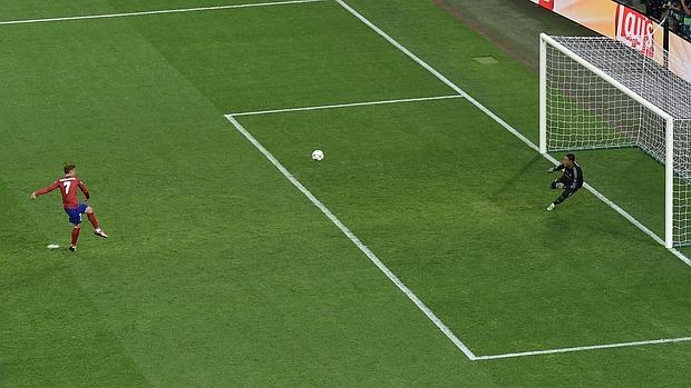 Griezmann falla su segundo penalti esta temporada contra el Real Madrid