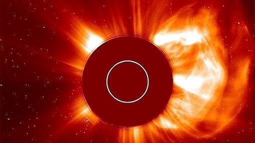 Expulsión de materia desde las capas superficiales del Sol