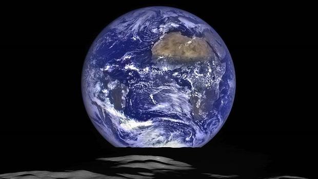 La Tierra, fotografiada por una nave de la NASA desde la Luna