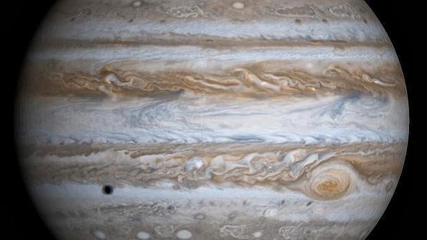 La alineación perfecta de Júpiter, la Tierra y el Sol