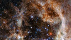 El Hubble descubre nueve estrellas monstruosas cien veces más masivas que el Sol