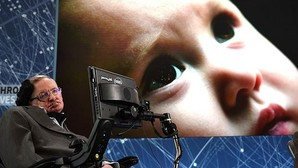 Stephen Hawking, durante la presentación del proyecto