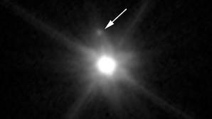 El planeta enano Makemake y su luna