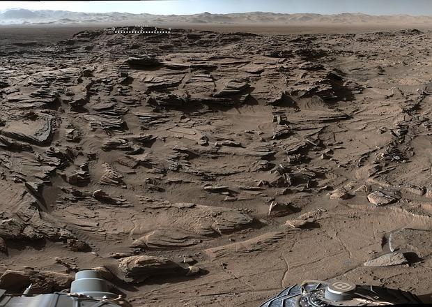 Panorámica captada por el Curiosity en la meseta Naukluft