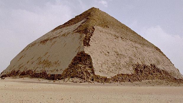 Los rayos cósmicos desvelan los misterios de una de las pirámides más antiguas de Egipto