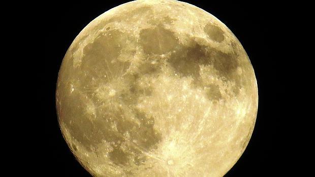 Los genes, la educación, los ingresos y los aspectos psicosociales tienen más influencia que la atracción gravitatoria lunar
